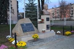 Pomnik.1